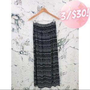 💖3/$30💖 Forever 21 Aztec Maxi Skirt Black
